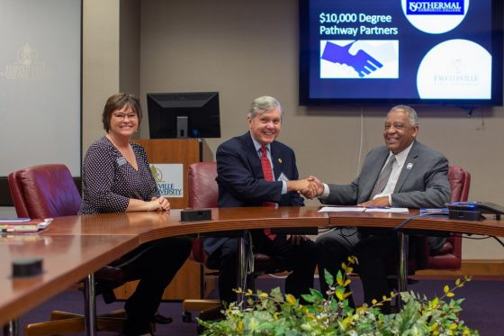 Chancellor James A. Anderson of FSU and Walter Dalton, President of Isothermal Community College (NC) sign the $10 K Degree Pathway Agreement. Dr. Dolly Horton, Vice President of Academic and Student Services looks on.